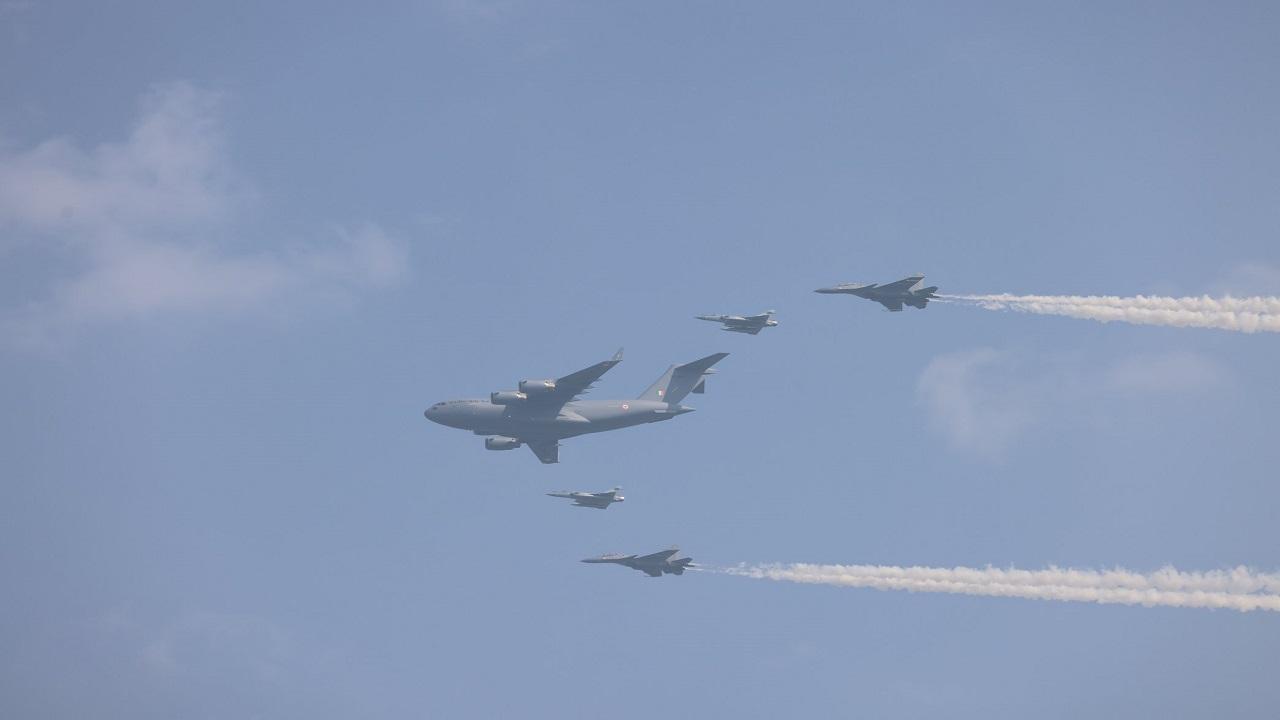 Indian Air Force Day: भारतीय वायुसेना मना रही है 89वां स्थापना दिवस, तेजस और राफेल लड़ाकू विमानों ने किया किया शक्ति प्रदर्शन