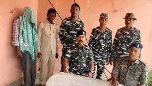 झारखंड: गिरिडीह में हार्डकोर नक्सली गिरफ्तार, पुलिस और सीआरपीएफ की संयुक्त कार्रवाई में मिली कामयाबी