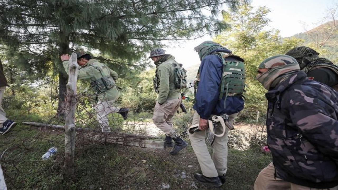 जम्मू कश्मीर: पुंछ व राजौरी के जंगल में सुरक्षाबलों का सर्च ऑपरेशन लगातार 14वें दिन भी जारी, आतंकियों का बचना नामुमकिन