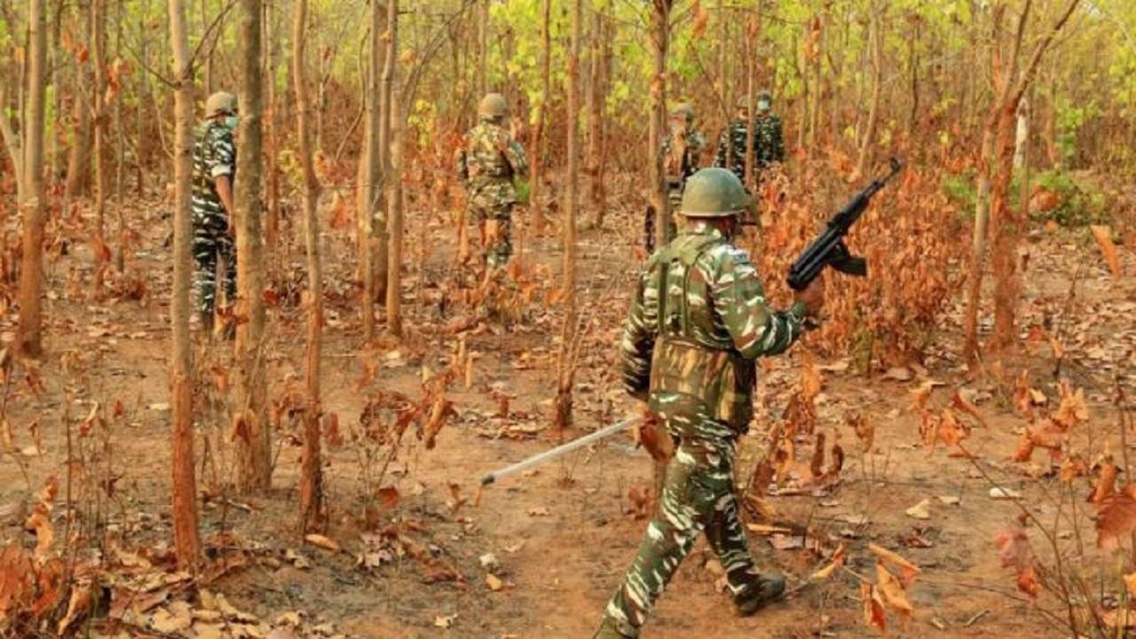 बिहार: लखीसराय में मुठभेड़, पुलिस ने हार्डकोर नक्सली प्रमोद कोड़ा को मार गिराया; डीलर के बेटे को किया था अगवा