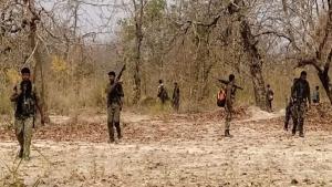 झारखंड: लाल आतंक के खिलाफ पूर्व हार्डकोर माओवादियों का इस्तेमाल, इनकी निशानदेही पर पुलिस दे रही सर्च ऑपरेशन को अंजाम