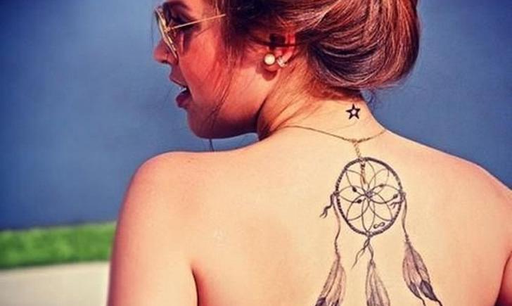 7d85b66eceb82 10 Dreamcatcher Tattoos To Catch Your Attention - Tattoo.com