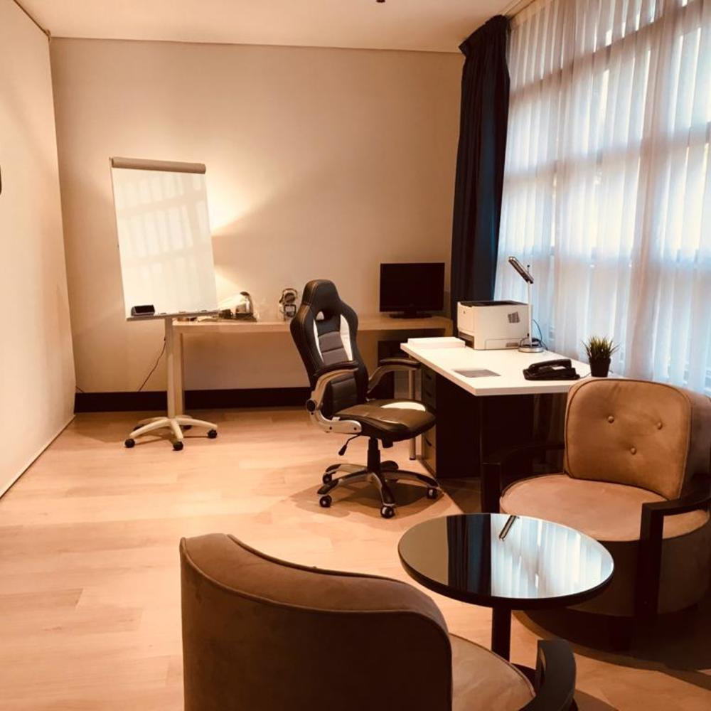Nuevo boston madrid room office teletrabajo madrid en hotel