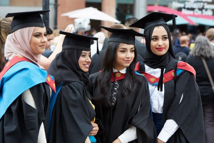 Why The Majority Of International Students Opt To Study In Manchester?