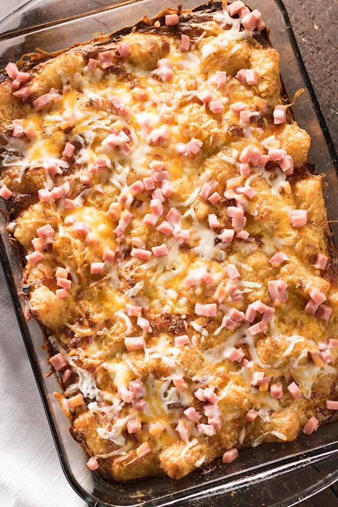 马铃薯小孩早餐火腿和奶酪的腿