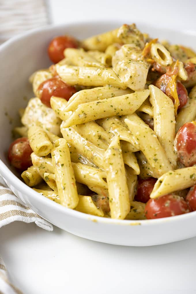 creamy pesto pasta with chicken