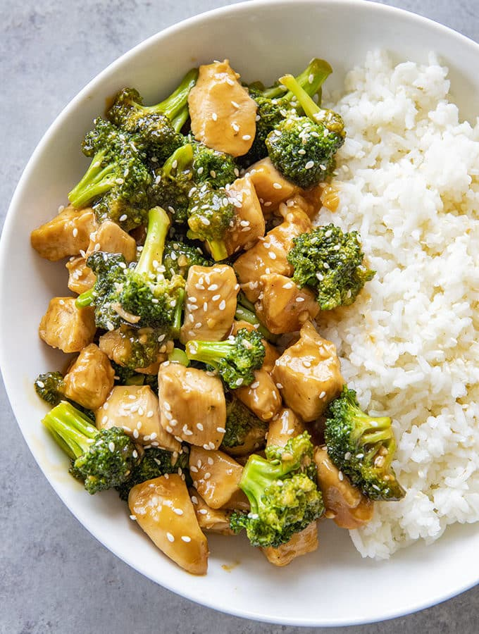 chinese chicken and broccoli in a bowl