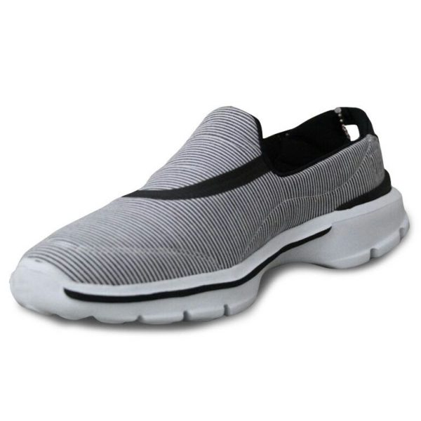 حذاء رياضي لون أسود ماركة NORTH POLE