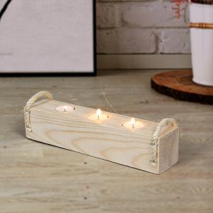 حامل الشموع من الخشب