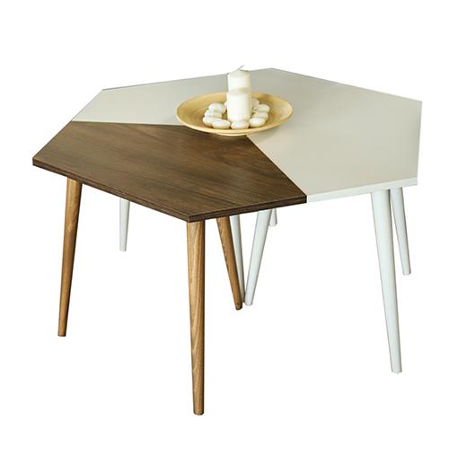 طاولة قهوة موديل سيفا أبيض وبني صناعة خشبية بأرجل من خشب الزان