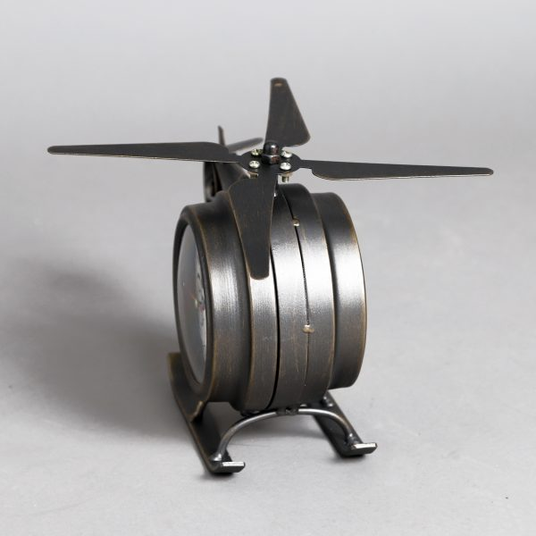 ساعة شكل طائرة