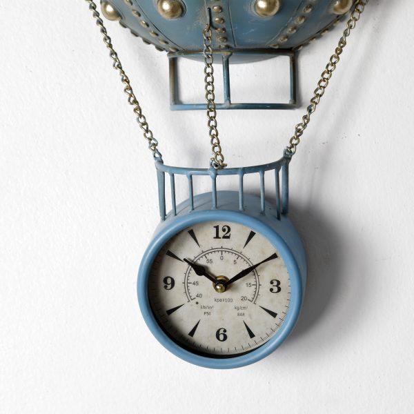 ساعة شكل منطاد