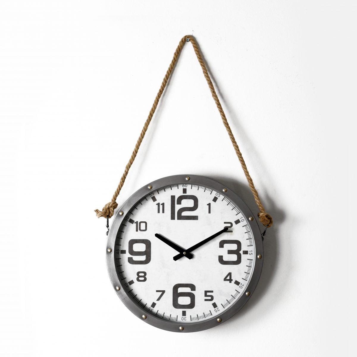 ساعة حائط أنتيكة بحبل موديل روبي شكل دائري صناعة معدنية