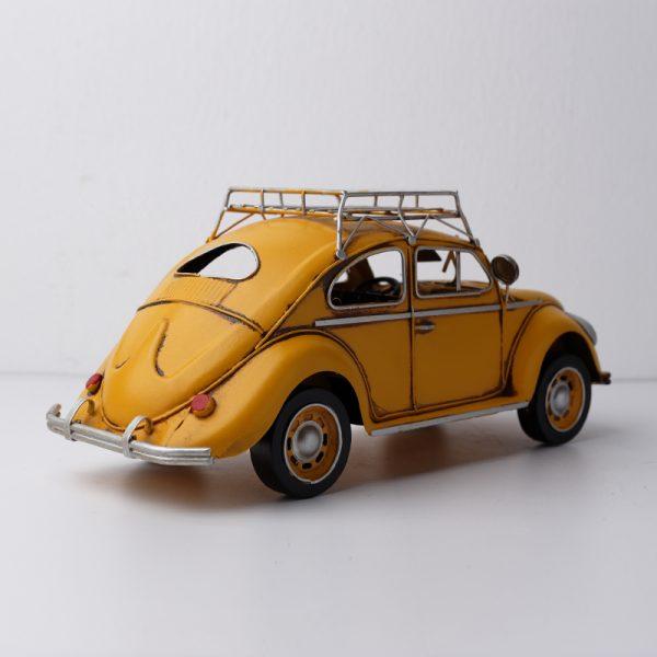 سيارة تحفة لون أصفر