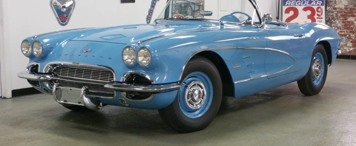 """1961 Jewel Blue/Blue  283/315hp  """"FUEL INJECTED"""""""