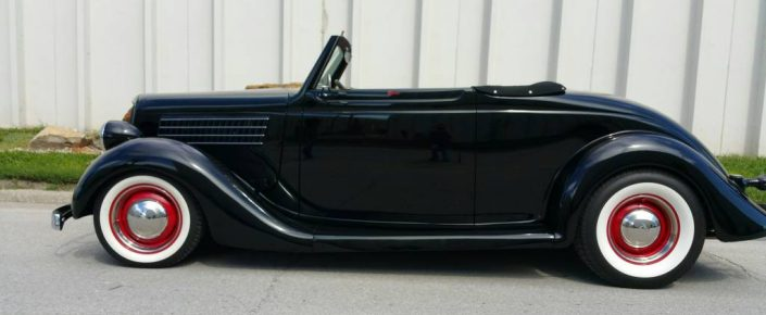 1935 FORD Cab.  Black/red  !!