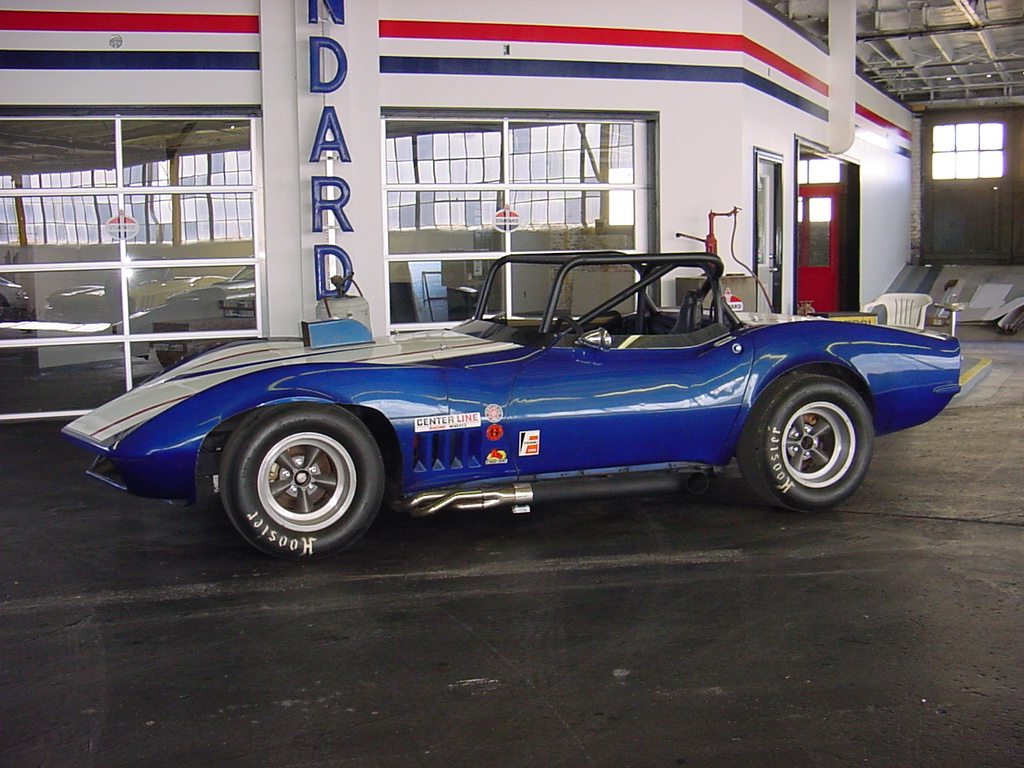 1968 Corvette RACE CAR International Blue/Can-Am White Corvette ...