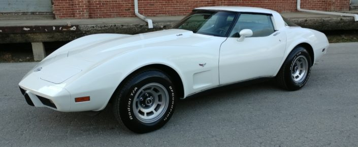 1978 Chevrolet Corvette Classic White/Dark Saddle