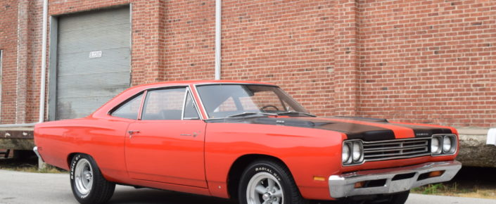 1969 Plymouth Road Runner 383 Red/Black
