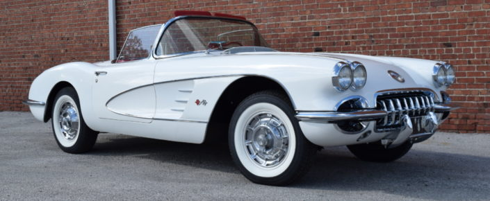 1960 Chevrolet Corvette – Ermine White/Red Interior
