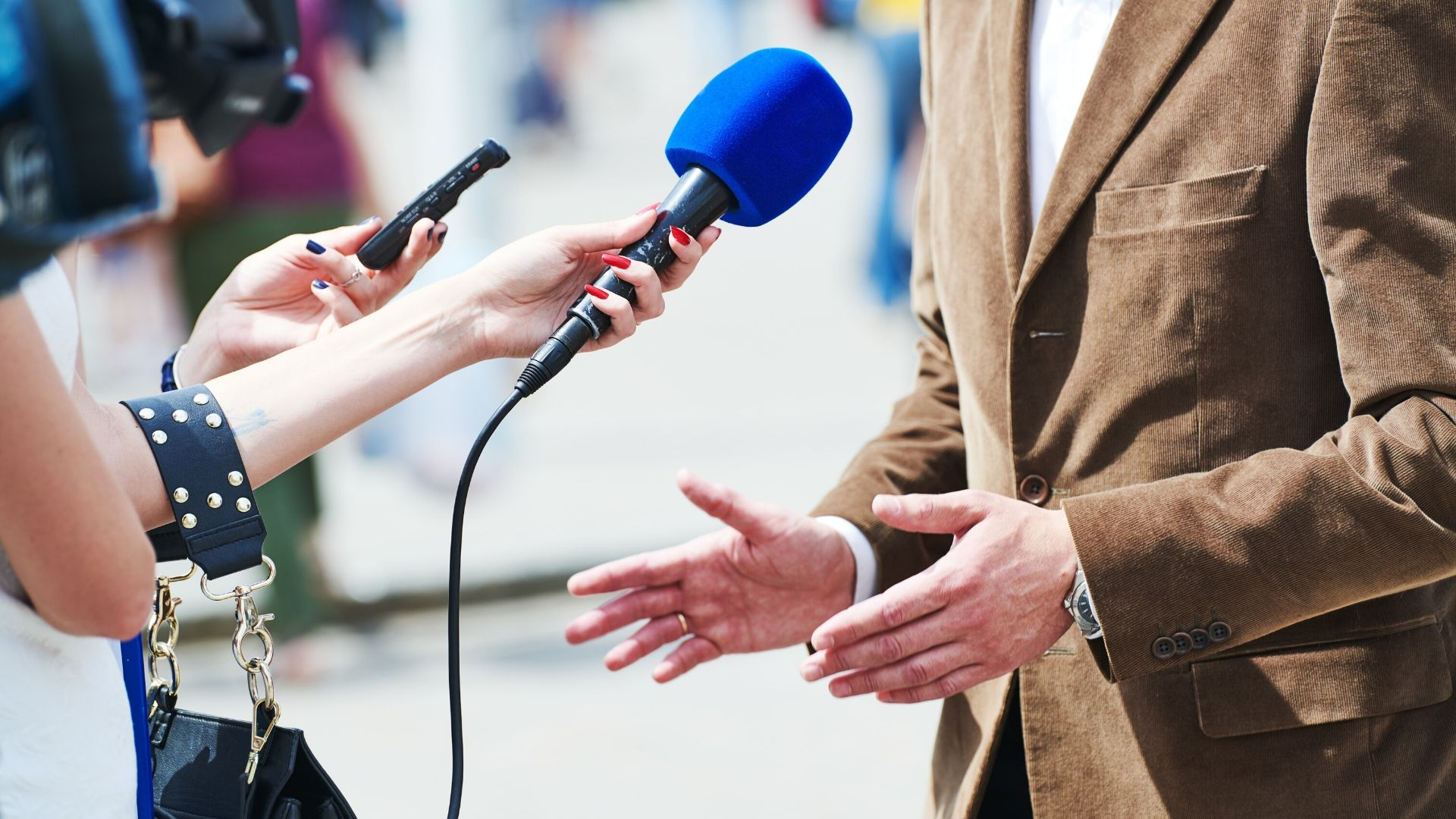 Filming an Interview: How to Make Good Interview Videos