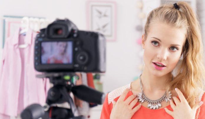 how to start a profitable fashion blog & vlog