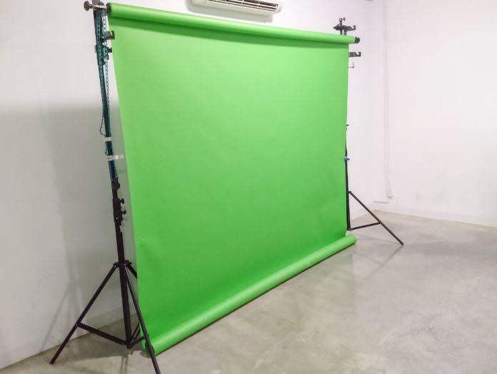 Make the background of your vlog & YouTube videos more interesting with a green screen. Find out the best deals for a portable one with a stand