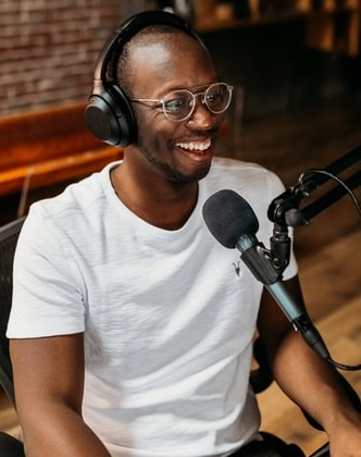 25 best headphones for podcasting available online