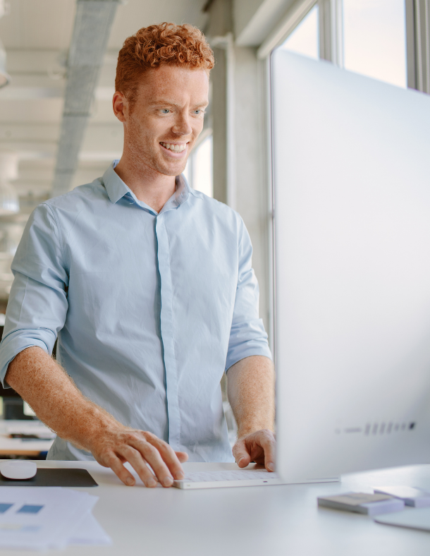 How to find a standing desk that can replace your workstation. Standing desk with drawers list.