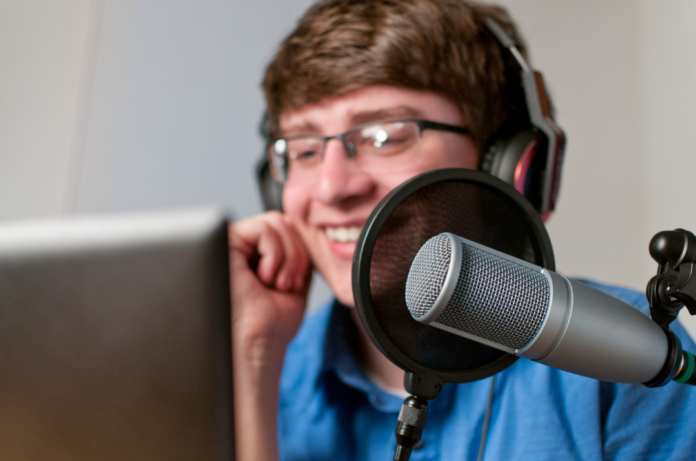 How you can create a successful fantasy football podcast & make money