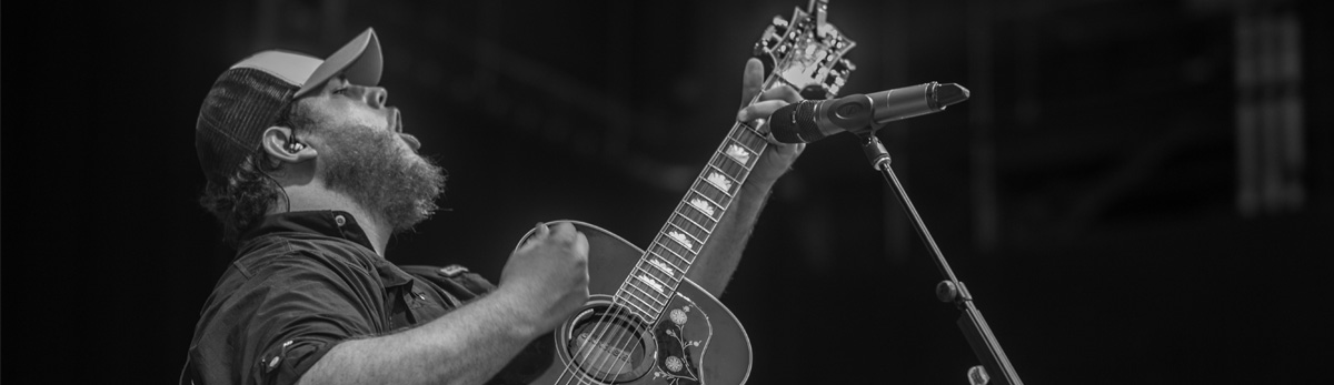 Luke Combs – Don't Tempt Me with a Good Time Tour