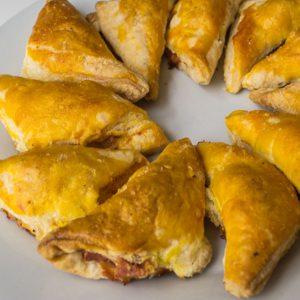 Empanaditas de jamón y queso