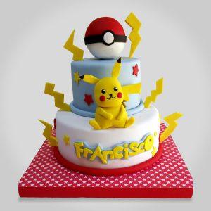 Torta pokemon con pokebola y pikachu