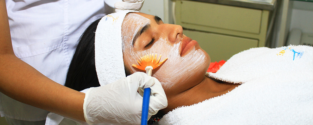limpieza-facial-en-spa-de-los-olivos-spavida-peru