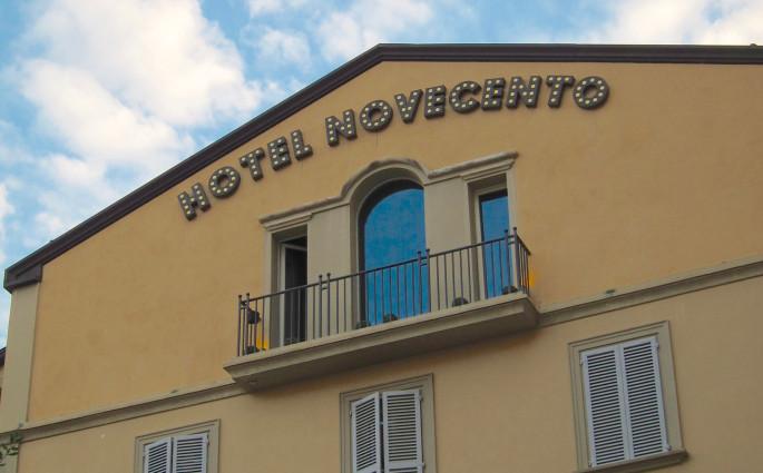 Art Hotel Novecento entrance