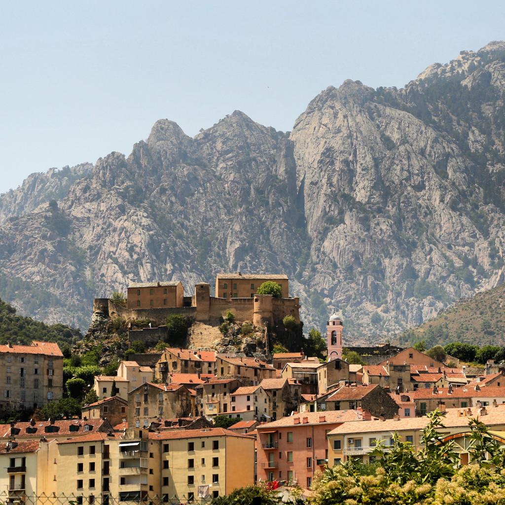 Corte mountain backdrop